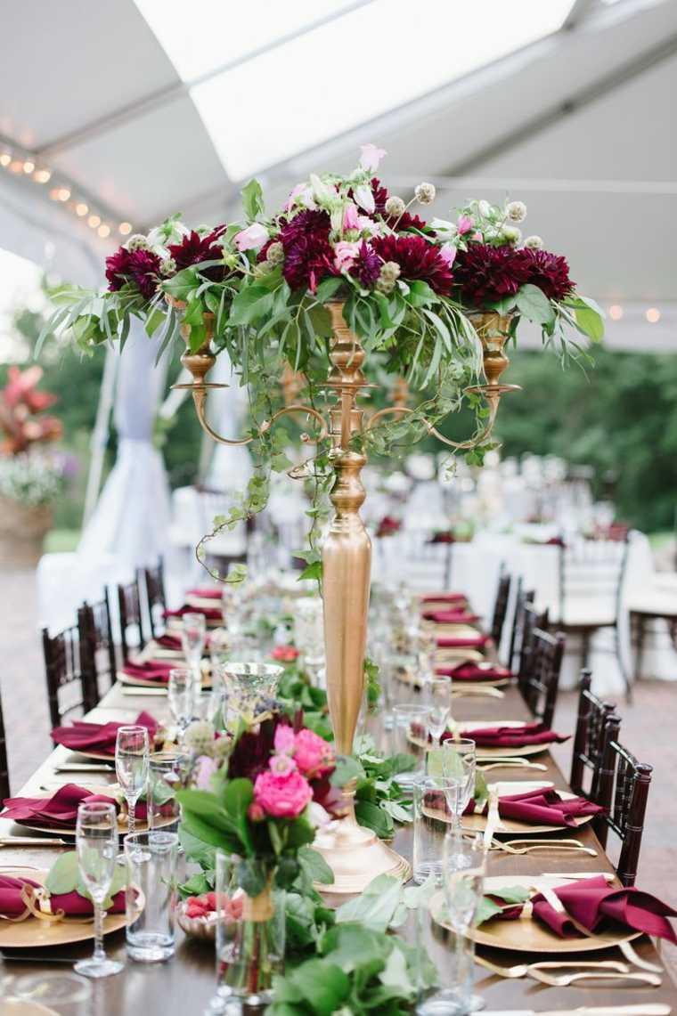 decoracion boda vintage centro mesa alto flores pergola ideas