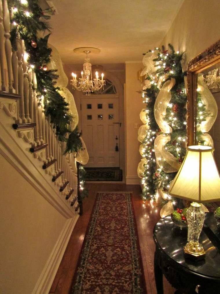 decoración navideña pasillo