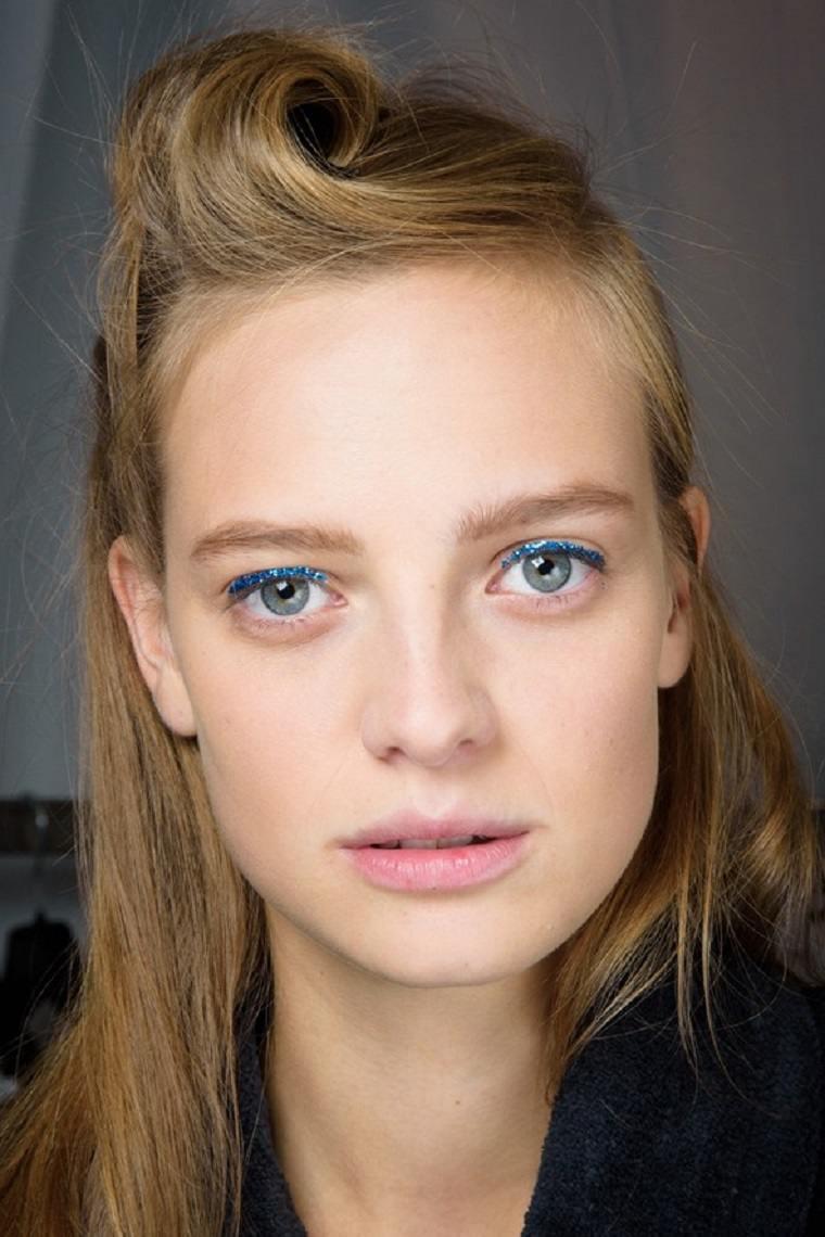 delineador ojos color azul brillante moderno ideas