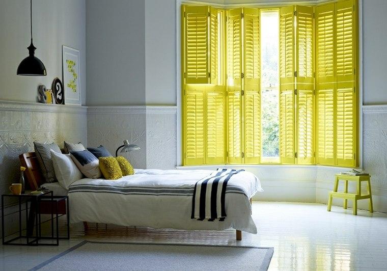 dormitorio juvenil persianas de madera amarillas