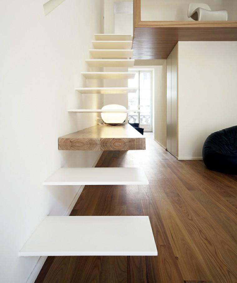 escaleras interiores madera flotantes