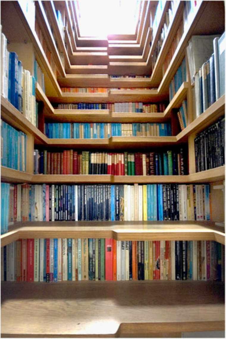 escaleras originales estanterías alargadas