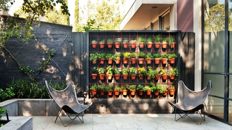 espacios aire libre jardin vertical macetas ideas