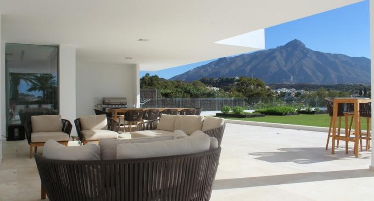 estupenda terraza vistas montana