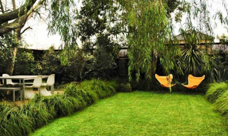 jardín pequeño parcela césped