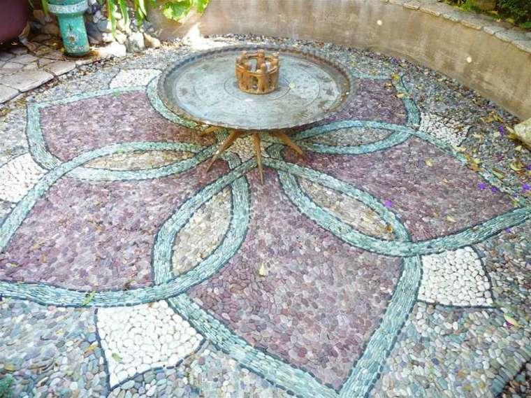 estupenda decoración suelo jardin