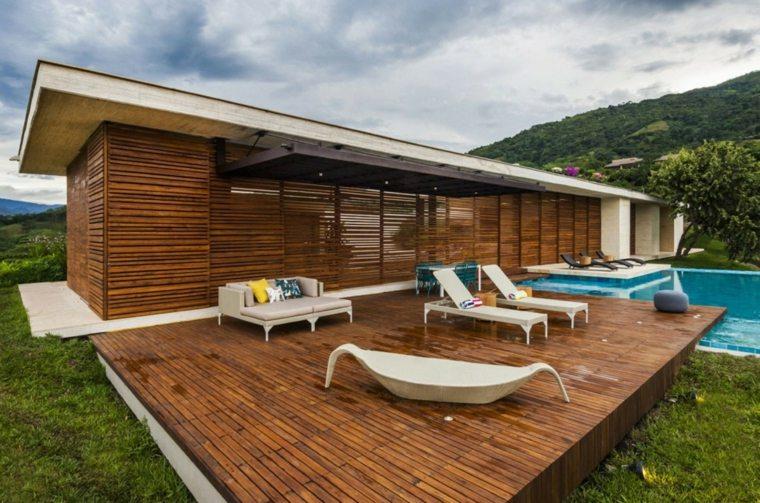 estupenda terraza plataforma madera