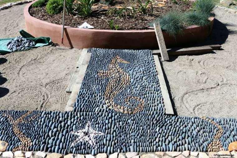 estupendo diseño jardin suelo mosaico