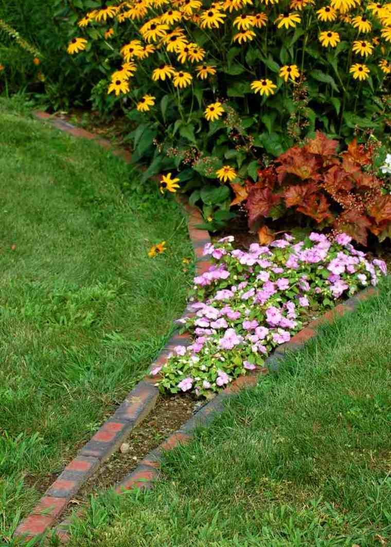 frontera jardin ladrillos ceped flores opciones ideas