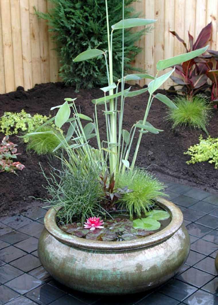 Fuente de agua diy con un bonito jard n acu tico estilo zen for Jardines acuaticos
