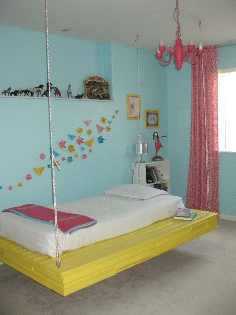 habitación infantil cama colgante amarilla