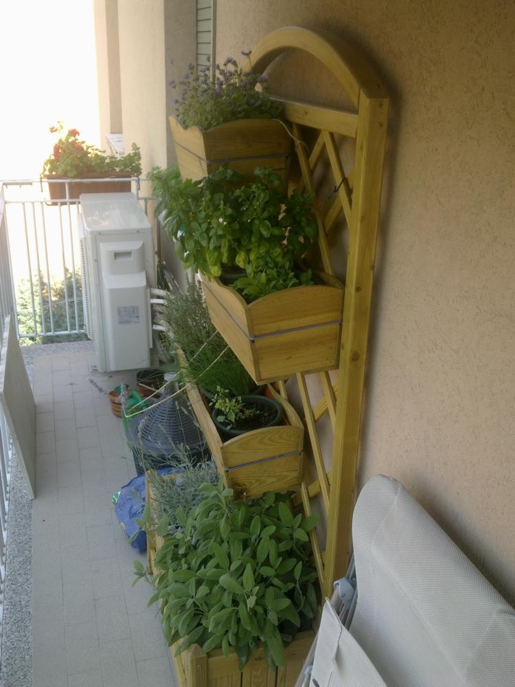 Huerto vertical 34 maneras de sembrar vegetales for Giardino verticale balcone