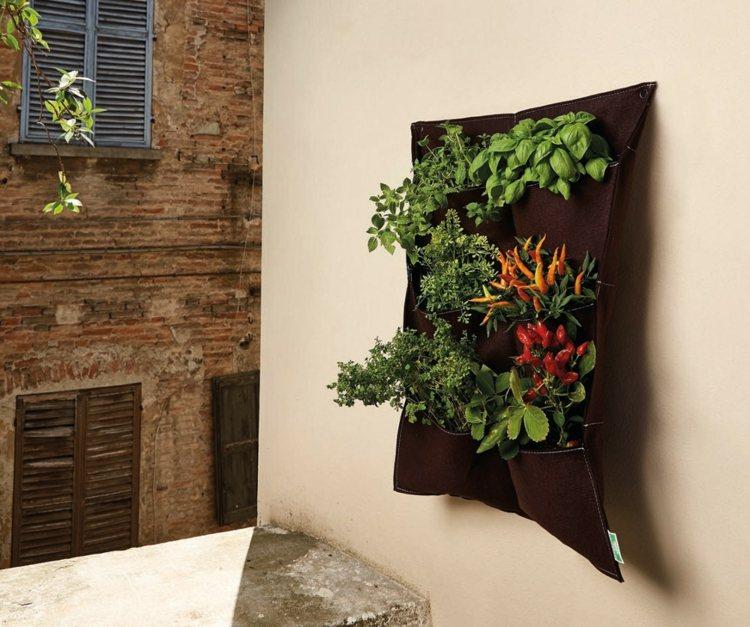 huerto vertical maneras plantar vegetales hierbas balcones ideas
