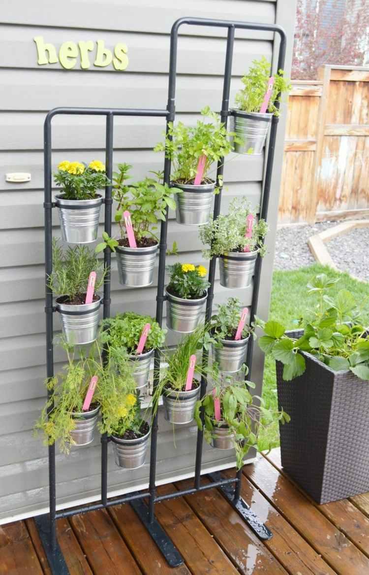 huerto vertical maneras plantar vegetales hierbas jardinera acero ideas