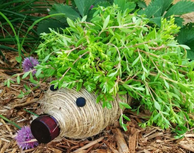 ideas creativas manualidades jardin botella plastico