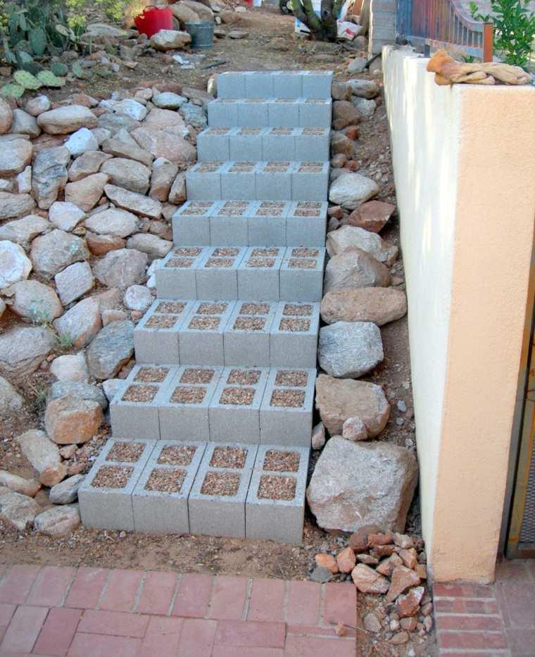 ideas creativas manualidades jardin escaleras bloques hormigon original