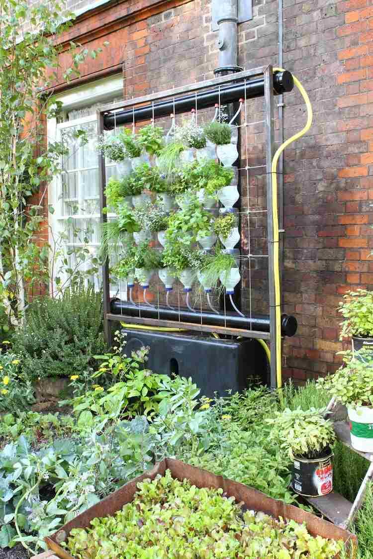 Huerto vertical 34 maneras de sembrar vegetales for Como hacer un jardin vertical con palets