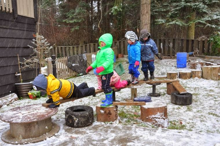 juegos infantiles materiales reciclados recorrido