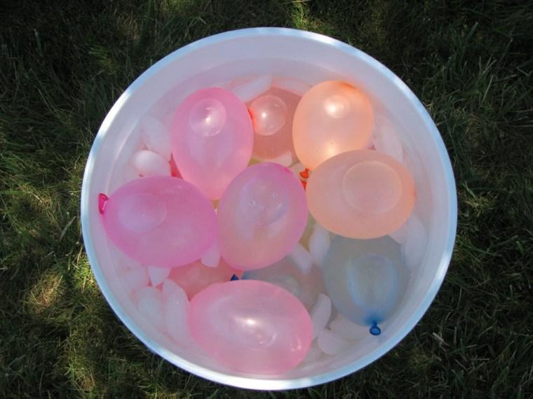 juegos para ninos al aire libre globos llenos agua ideas