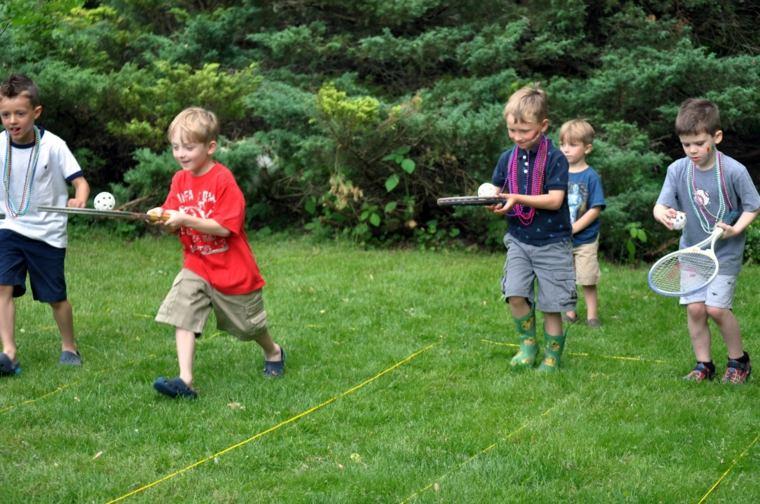 Juegos para nios de primaria al aire libre for Peces para estanques al aire libre