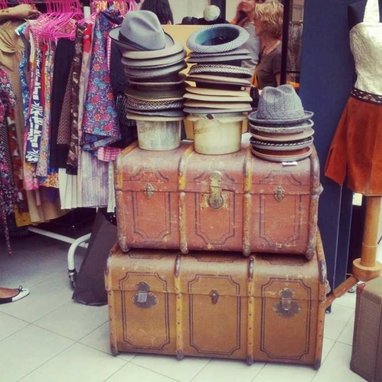 maletas viejas sombreros vintage