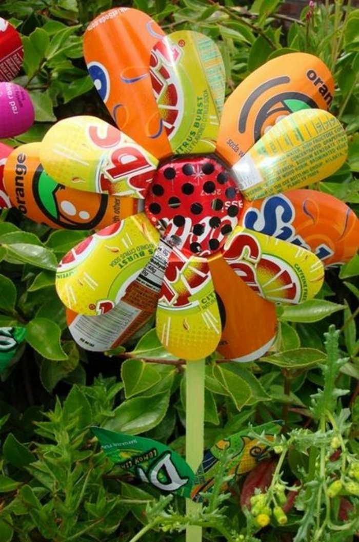 manualidades para niños flores recicladas metales