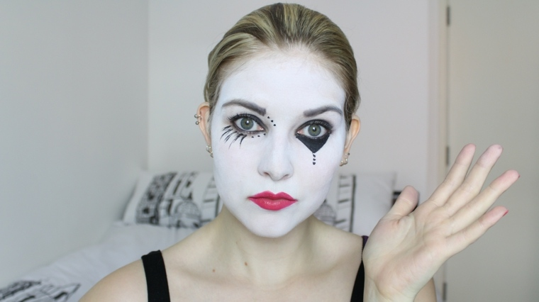Easy girl zombie makeup ideas