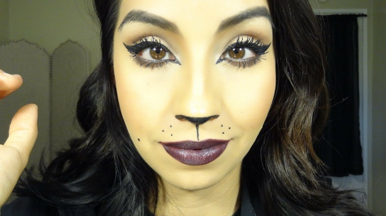 maquillaje para halloween ojos felinos