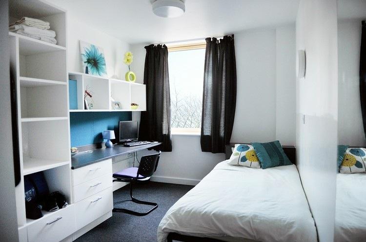 mesas de escritorio dormitorio adolescente combinacion blanco negro ideas