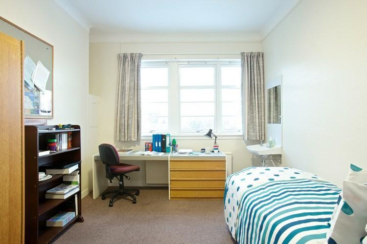 Mesas de escritorio para el dormitorio del adolescente for 12m2 zimmer einrichten