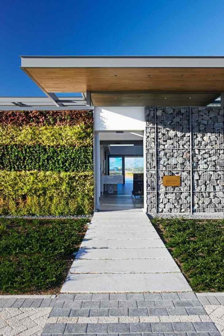 muros de gaviones entrada casa pared jardin vertical ideas