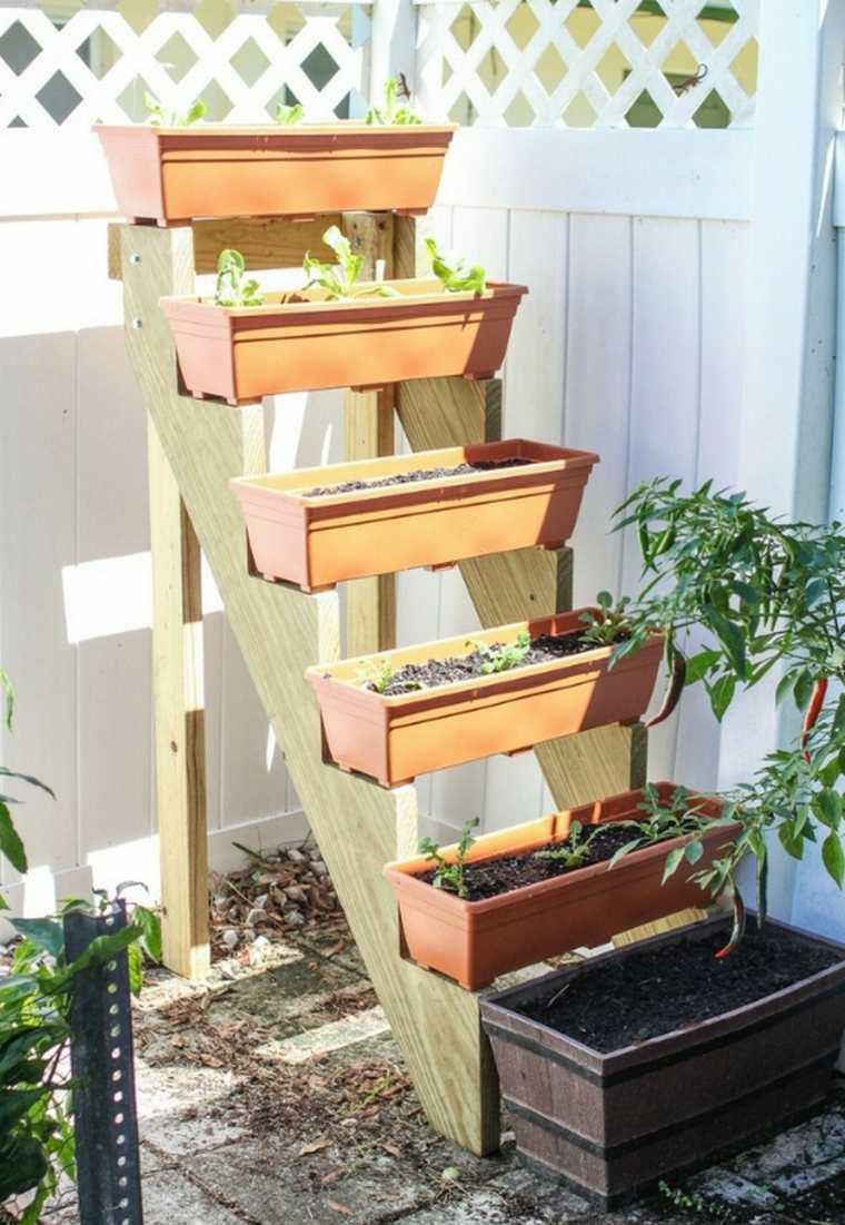 muros verdes verticales escalera