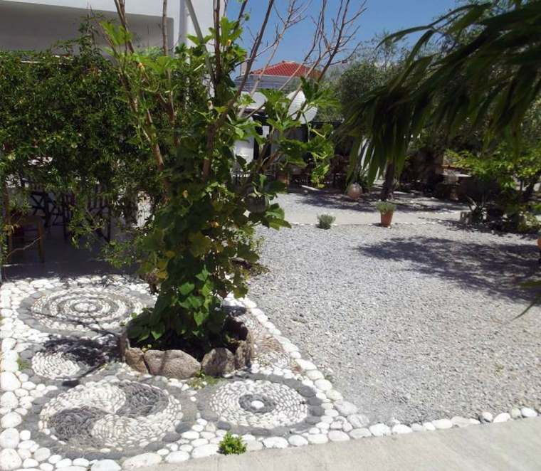 original decoracion jardines románticos mosaicos