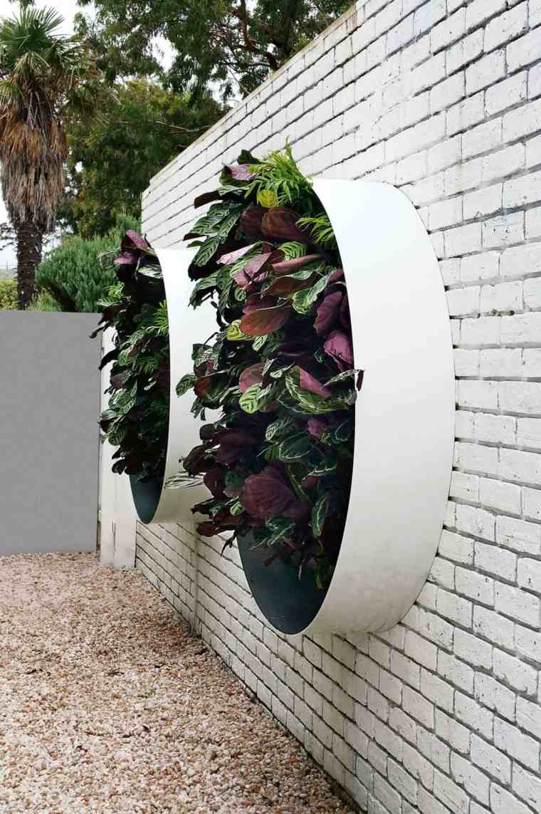pared blanca ladrillo plantas macetas ideas