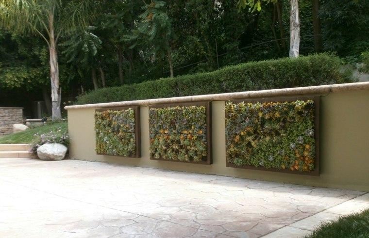 Paredes y vallas con jardines verticales for Proyecto jardines verticales