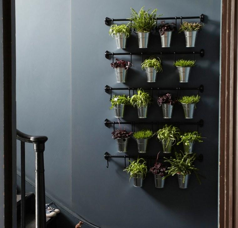 Paredes y vallas con jardines verticales - Soportes para colgar macetas ...