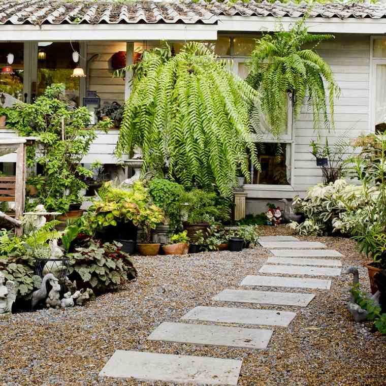 Suelos senderos y caminos de jard n en 48 im genes - Camino a casa decoracion ...