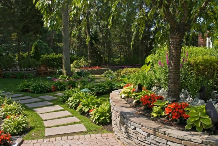 Suelos senderos y caminos de jard n en 48 im genes for Adoquines para jardin