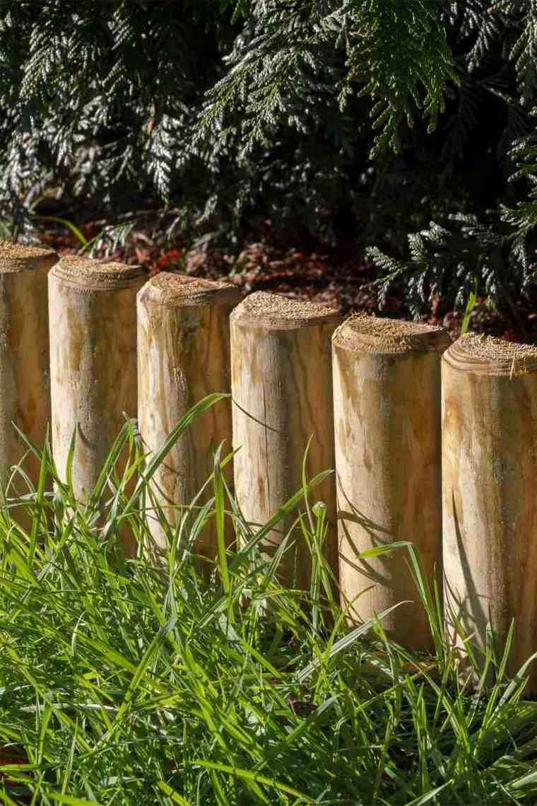 vista cerca empalizadas madera jardín