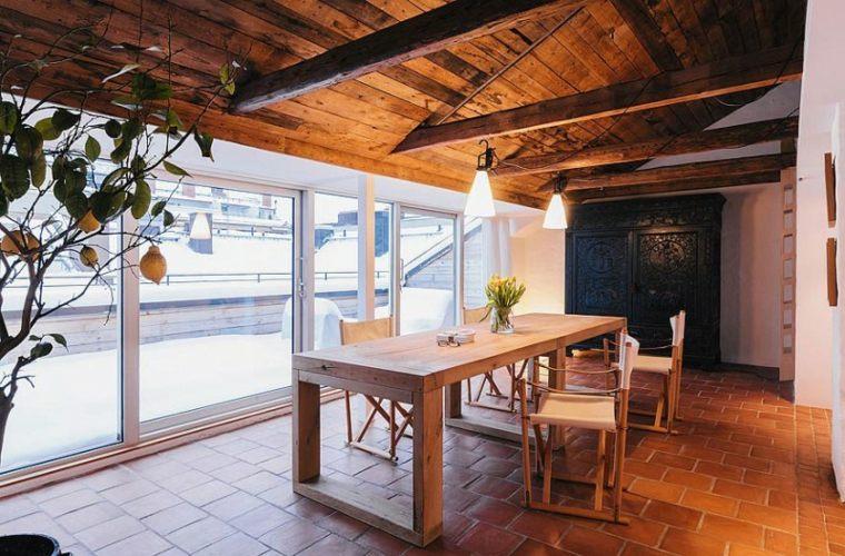 apartamento comedor muebles madera diseno escandinavo techo madera ideas
