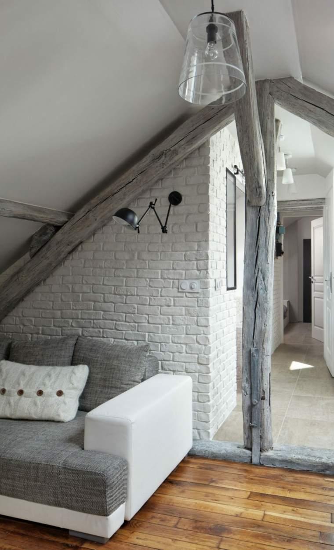 Atico luminoso renovado por prisca pellerin architecture - Aticos de madera ...