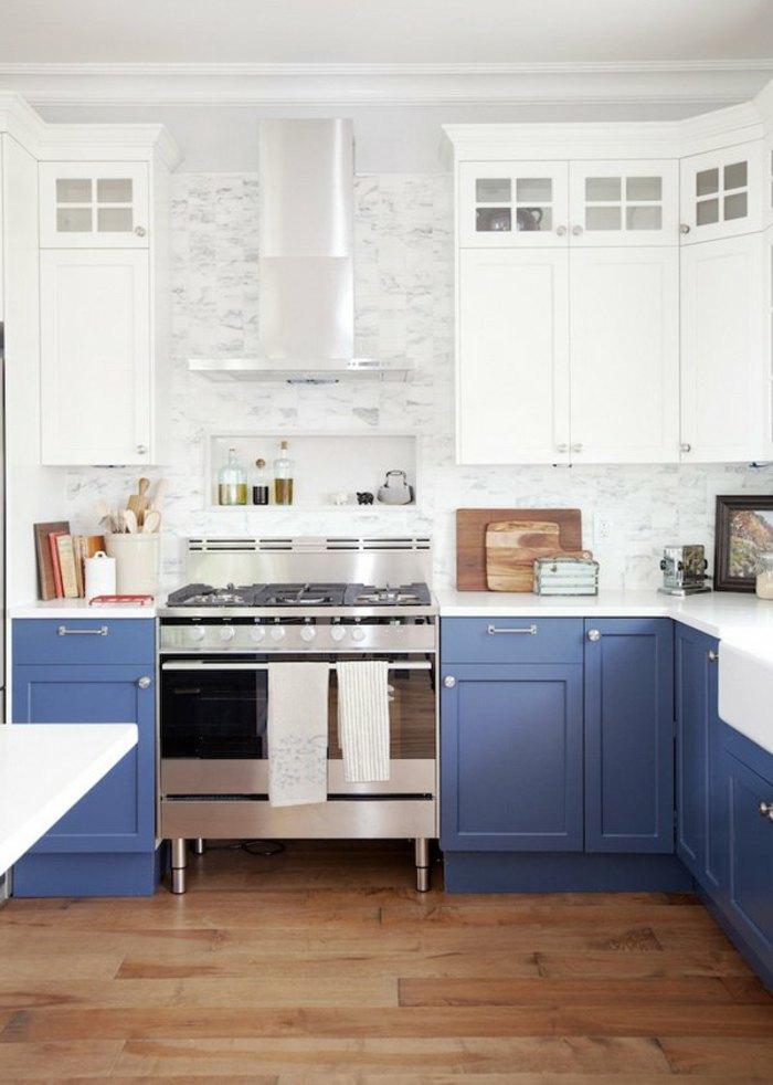 azules tonos efectos estantes madera
