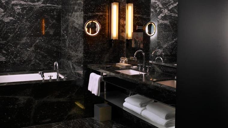 Baños originales en negro y en gris