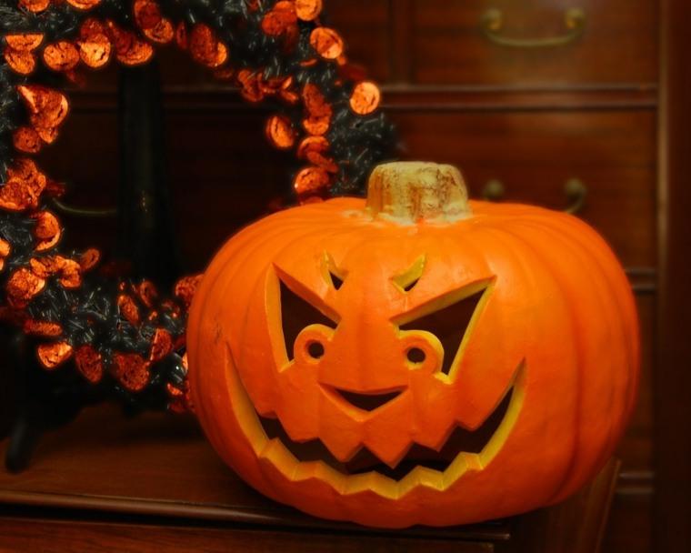 Calabazas de halloween c mo decorarlas - Calabazas pintadas para halloween ...