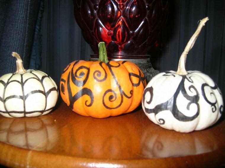 Calabazas de halloween c mo decorarlas - Calabazas decoradas manualidades ...