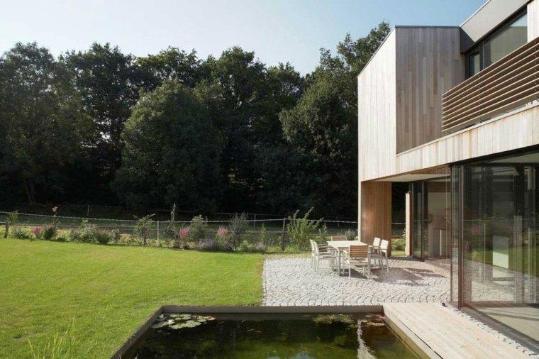 casa jardin amplio estanque peces ideas