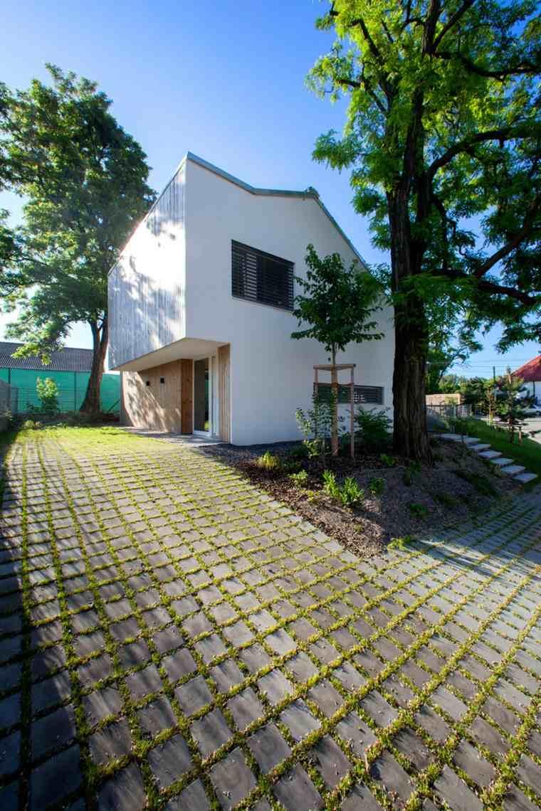 casa practica senderos fuentes lateral