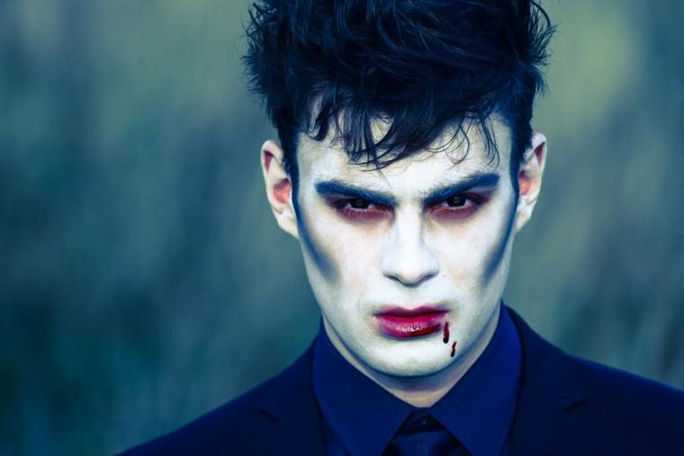 chico maquillaje Halloween vampiro