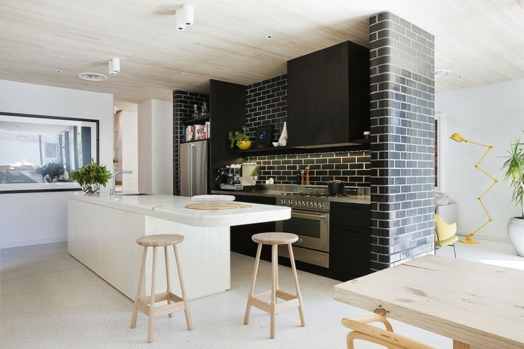 cocina moderna isla techo madera juego mesa taburetes ideas