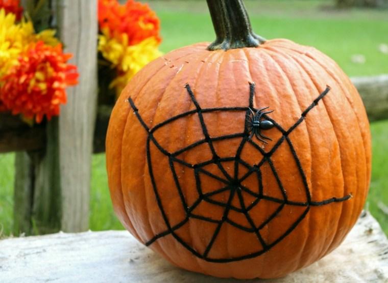decoración de calabzas para halloween telaraña